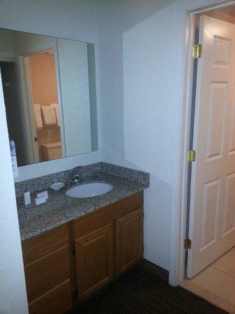 Residence Inn Danbury: Sink outside the toilet room. Interesting concept...