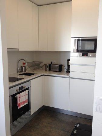 Hello Lisbon Santa Apolonia Apartments : cozinha