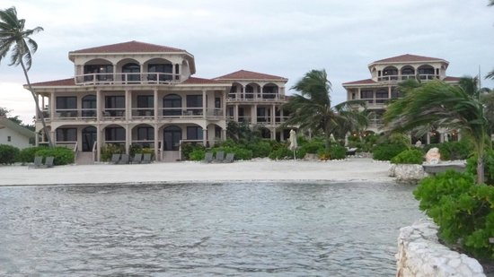 Coco Beach Resort : Resort from the dock