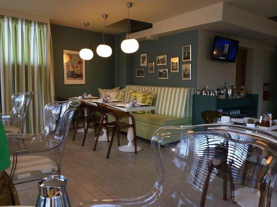 Sweet Home Hotel: Breakfast room
