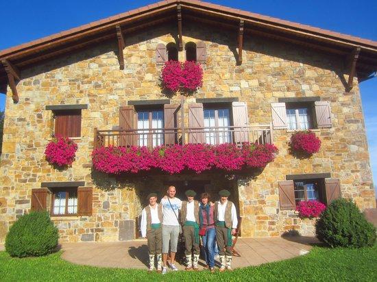 Hotel Lurdeia: Con los magníficos de Lurdeia!!!