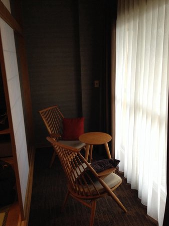 Hotel Shirakawa Yunokura : 冬に座るには寒い場所