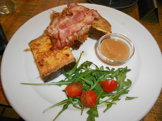Kipferl: French toast 'Holzhacker' Style with Austrian bacon