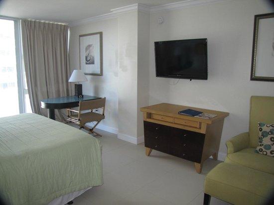 "Ocean Manor Resort Hotel: Another corner of the ""Signature room"""