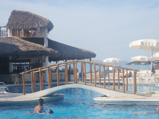 Buenaventura Grand Hotel & Great Moments All Inclusive: main pool