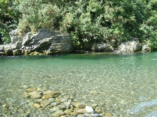 Ashley Gorge Holiday Park: Swimming Hole