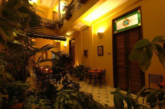 Casa La Fe - a Kali Hotel : Night sight