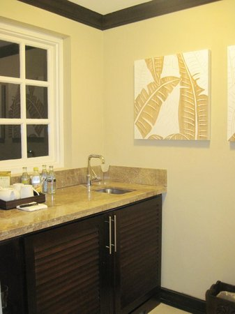 Sandals Ochi Beach Resort: Bar are in our suite