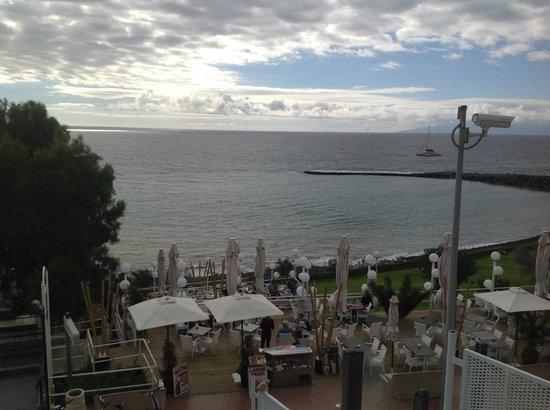 Jardines de Nivaria - Adrian Hoteles : Vue du balcon des suites sur mer