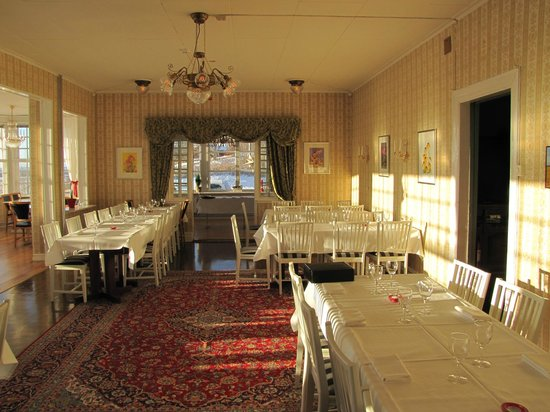 Ombergs Turisthotell: Dining room.