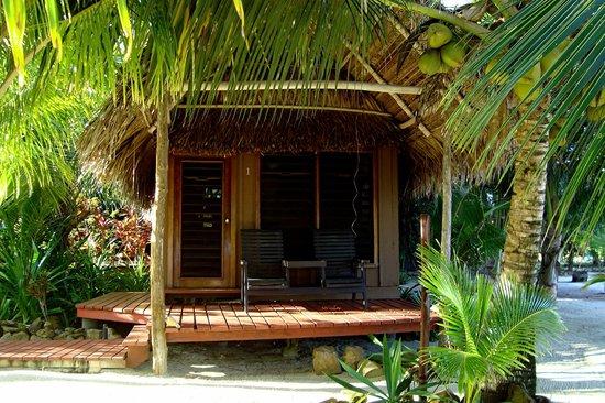 Singing Sands Inn : love shack