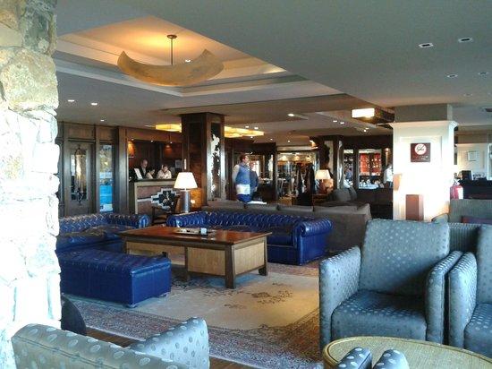 Alto Calafate Hotel Patagonico: LOBBY AMPLIO