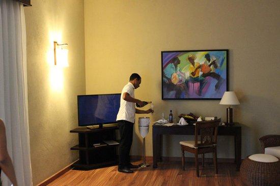 Zoetry Agua Punta Cana: champange and fruits