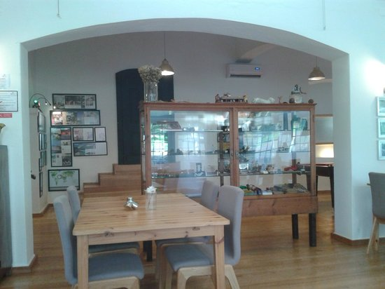 Imani Country House: Breakfast/dining room