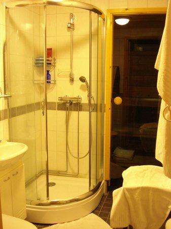 Saija Oy: Bathroom & in suite sauna.