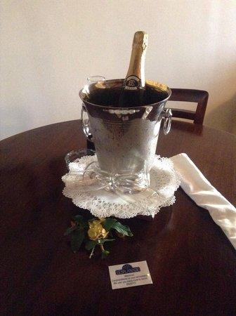 Hotel L'Esplanade: Anniversary surprise