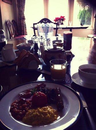 The Court : Breakfast