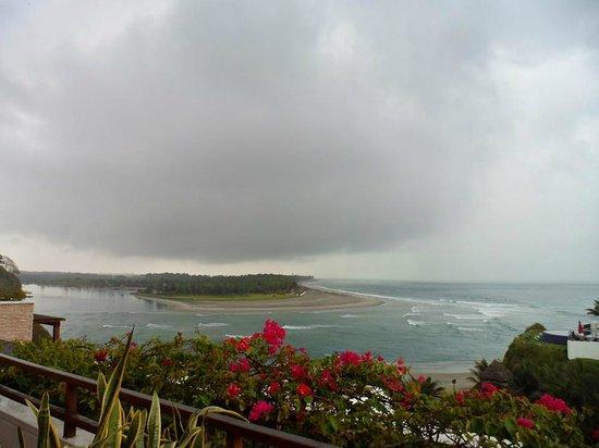 Royal Decameron Mompiche : Hermoso paisaje hasta en mañanas nubladas (temporada de lluvias)