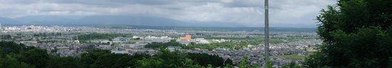Omoriyama Zoo: 秋田市を一望できる展望台もあります。