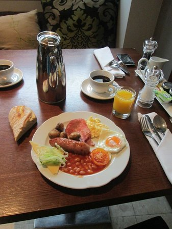 Crowne Plaza London The City: breakfast
