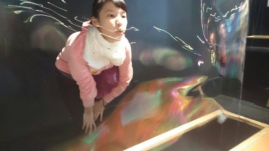 Montshire Museum of Science: playing with the bubbles was FANTASTIC!
