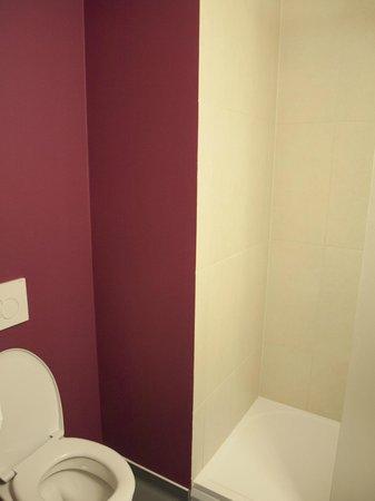 B&B Hotel Prague City: Bathroom again