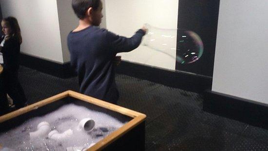 Montshire Museum of Science: look Dad!