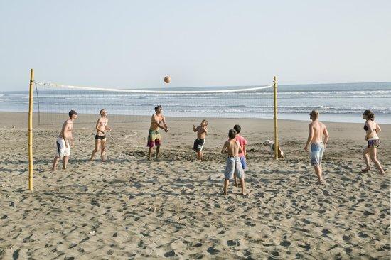 Encantada Ocean Cottages: Beach Volleyball