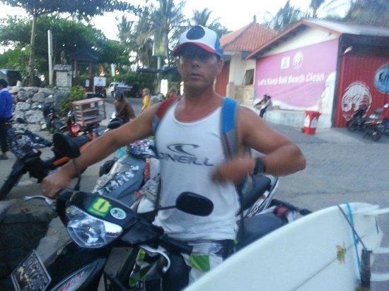 Padang Padang Surf Camp: Cruising Bali.