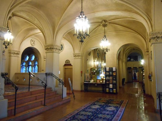 Berkeley City Club: Entrance Hall