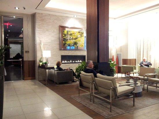 Hilton Garden Inn New York/Central Park South-Midtown West: Lobby Living Area