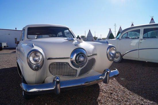 Wigwam Motel : Classic car