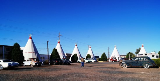Wigwam Motel : More Wigwams