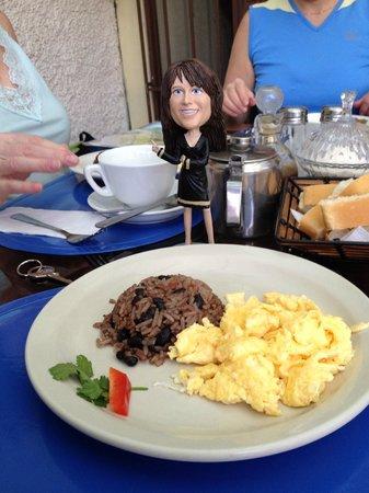 Hotel Mi Tierra: Breakfast