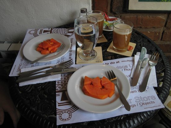 Muisca Hotel: Breakfast-fruit, juice and coffee (also bread and eggs)