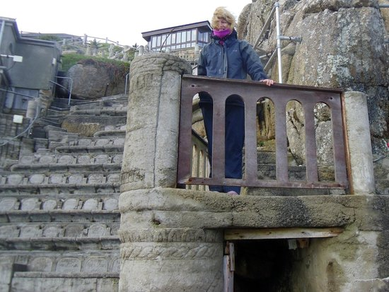 Minack Theatre : Juliet on the balcony