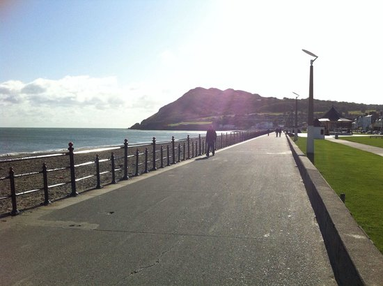 Bray head standing tall at the end of the prom