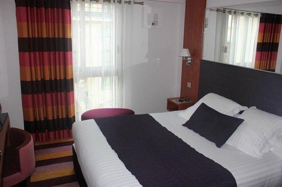 Hôtel Ampère Paris: buena cama