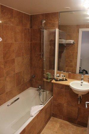 Hôtel Ampère Paris : baño