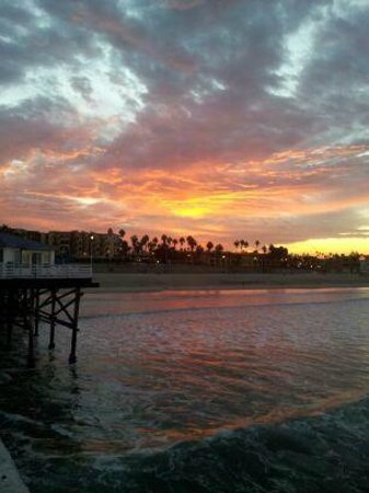 Crystal Pier Hotel & Cottages: Sunrise from Cottages