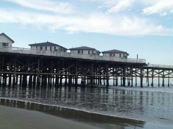 Crystal Pier Hotel & Cottages: Cottages at the end of the pier