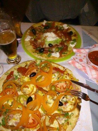 Kuca mala: Njegos pizza above and meksikana under...