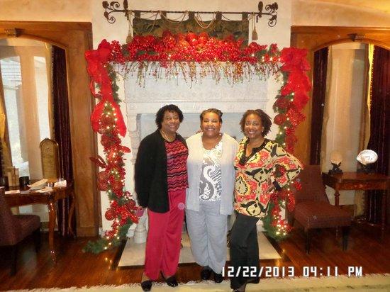 Tournament of Roses Association: Angela, Me, Nina