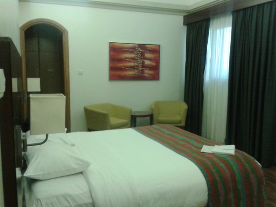 Al Khoory Hotel Apartments: Master Bedroom 2