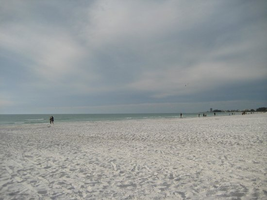 Siesta Beach: Daytime at the beach