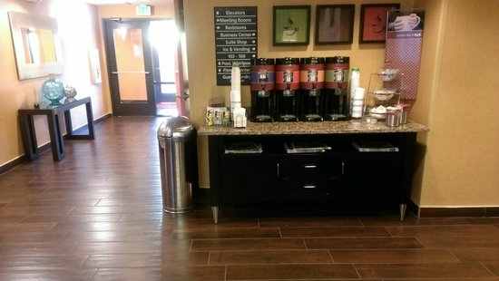 Hampton Inn & Suites Albuquerque - Coors Road: Coffee