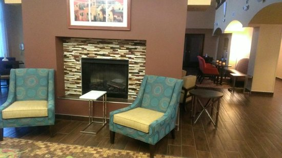 Hampton Inn & Suites Albuquerque - Coors Road: Fire place