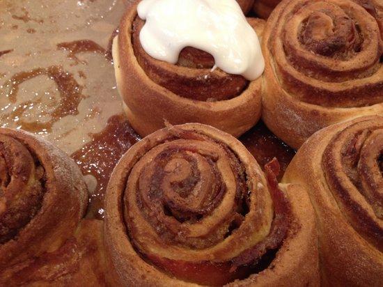 Herwig's Austrian Bistro : Cinnabaconrolls!!