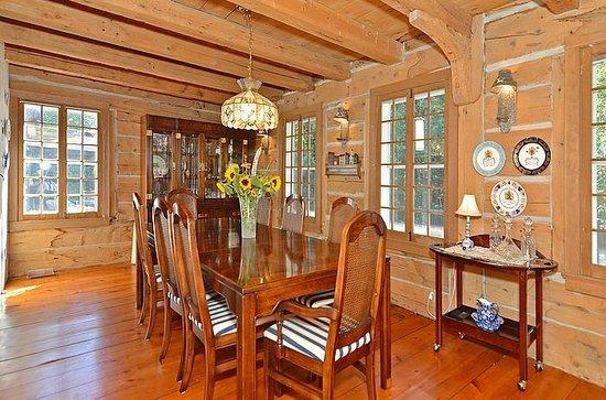 Lavender Cottage Bed & Breakfast: Dining room
