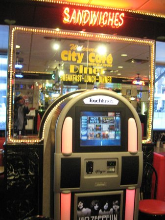 City Cafe Diner: Zep juke box